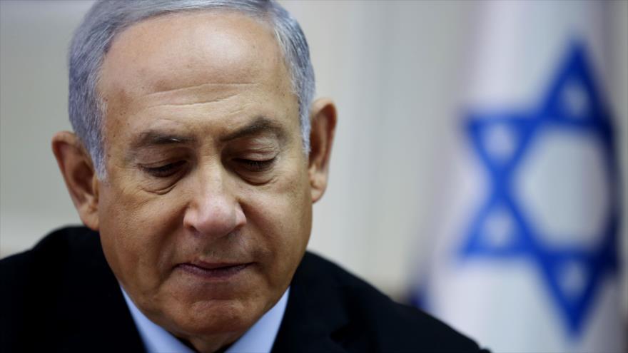 El premier de Israel, Benjamín Netanyahu, durante una reunión con su gabinete, 28 de octubre de 2018. (Foto: AFP)