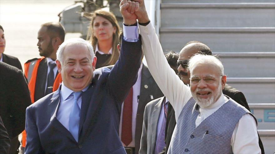 El primer ministro de Israel, Benjamín Netanyahu, (izq.) y su par indio, Narendra Modi, en Nueva Delhi, 14 de enero de 2018.