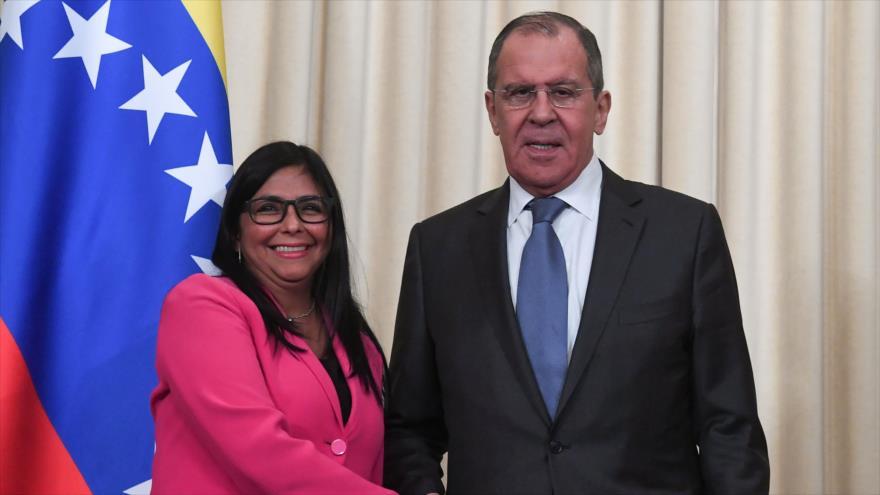 Rodríguez: Estados Unidos busca armar a la oposición en Venezuela