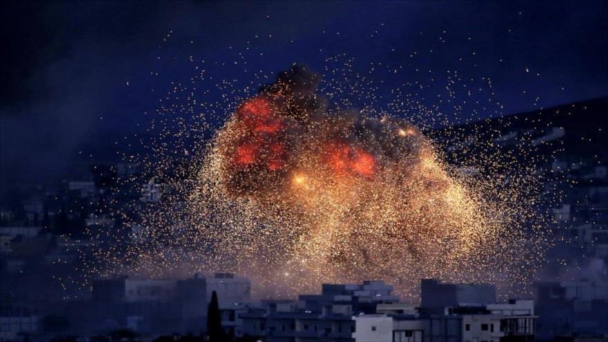 La 'coalición anti-EIIL' ataca supuestas posiciones terroristas en Siria.