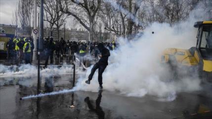 """Chalecos amarillos"" salen a calles en 16.ª jornada de protestas"