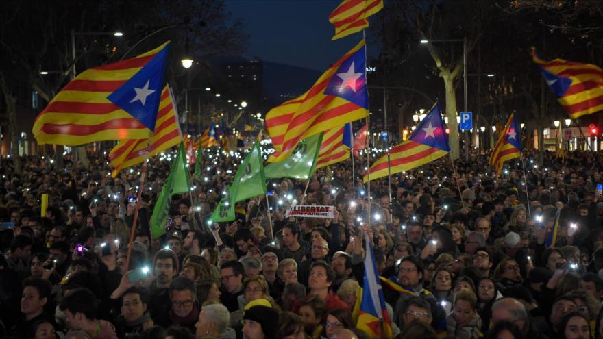 Generalitat planea encuesta en toda España sobre Cataluña   HISPANTV