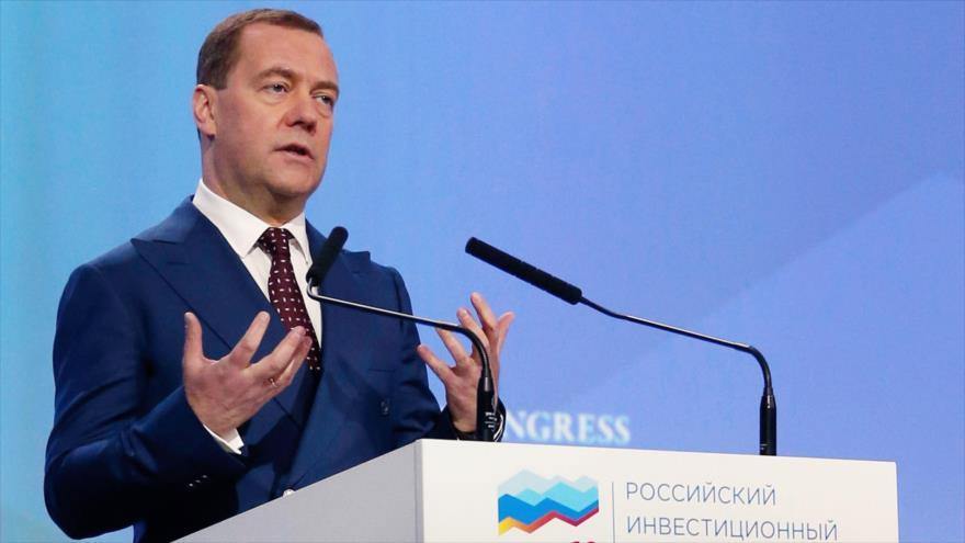 El primer ministro ruso, Dmitri Medvédev, en una sesión del Foro de Inversión de Rusia en Sochi, Rusia, 14 de febrero de 2019. (Foto: AFP)