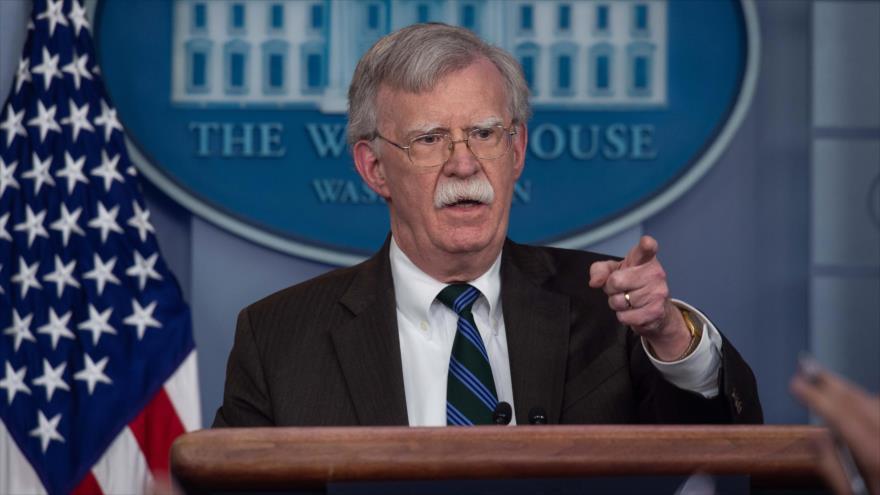 El asesor de Seguridad Nacional de EE.UU., John Bolton, habla en una rueda de prensa en la Casa Blanca, 27 de noviembre de 2018. (Foto: AFP)