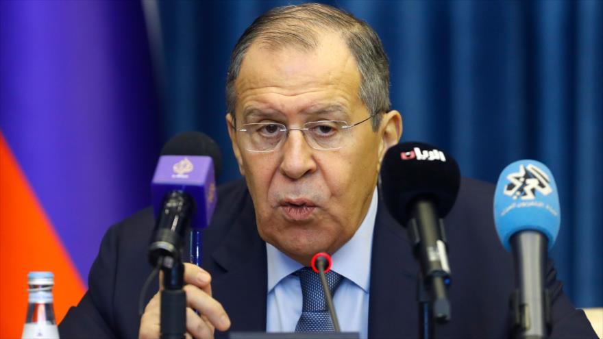 El canciller de Rusia, Seguéi Lavrov, habla en una rueda de prensa en Doha, capital de Catar, 4 de marzo de 2019. (Foto: AFP)