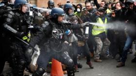 Vídeo: Policía francés agrede a un activista en silla de ruedas
