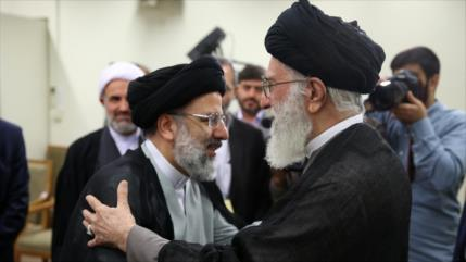 Líder de Irán nombra a Raisi nuevo presidente del Poder Judicial
