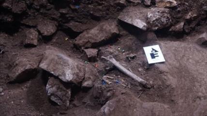 Descubren entierro colectivo de 3 mil años en una cueva en España