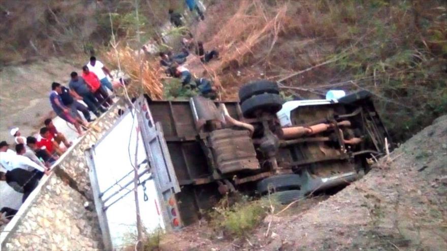 Un accidente vehicular que dejó al menos 25 migrantes centroamericanos muertos y otros 29 heridos en Chiapas, México, 7 de marzo de 2019.