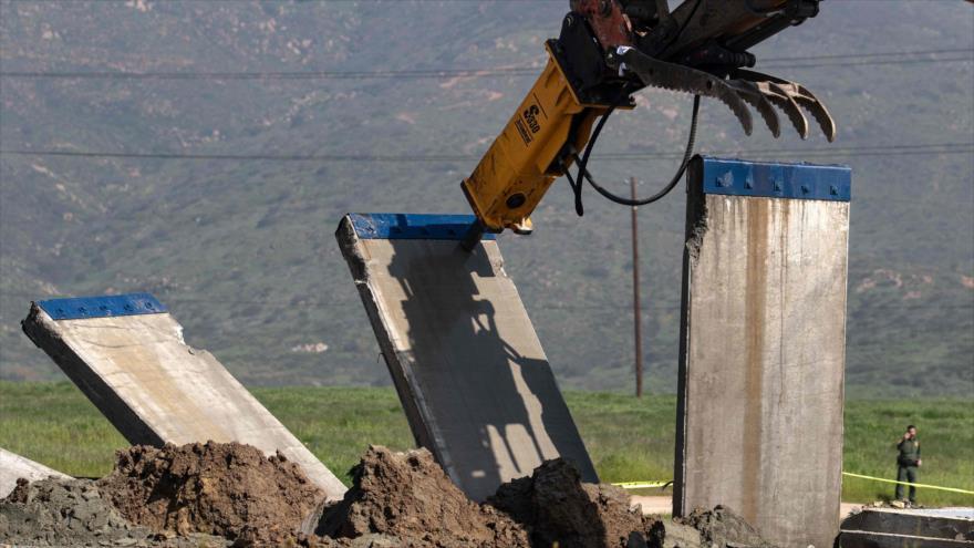 Un prototipo de muro fronterizo en la frontera entre EE.UU. y México, en Tijuana, México, 27 de febrero de 2019. (Foto: AFP)