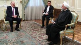 Rohani: Irán y Azerbaiyán abogan por paz y estabilidad en el mundo