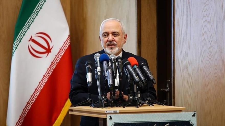 """Mohamad Yavad Zarif, canciller de Irán, habla en la conferencia """"Hakim, eje de la unidad"""", celebrada en Teherán, capital persa, 9 de marzo de 2019."""