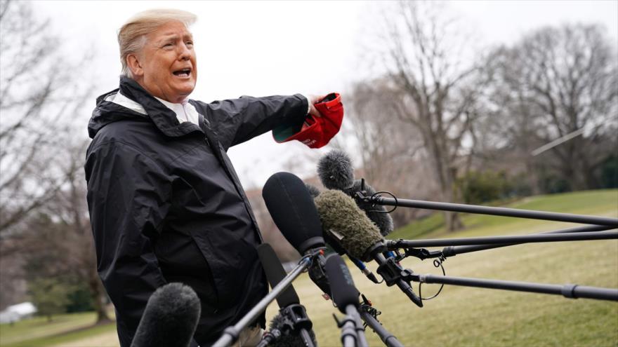 El presidente de EE.UU., Donald Trump, habla con la prensa en la Casa Blanca, 8 de marzo de 2019. (Foto: AFP)