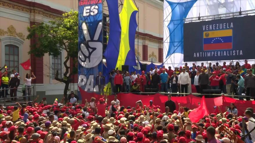 Venezolanos salen a las calles a respaldar a Nicolás Maduro
