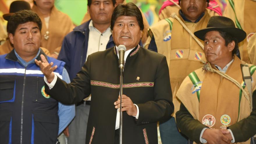 El presidente de Bolivia, Evo Morales, habla en una rueda de prensa en el municipio de Mecapaca, 11 de marzo de 2019.