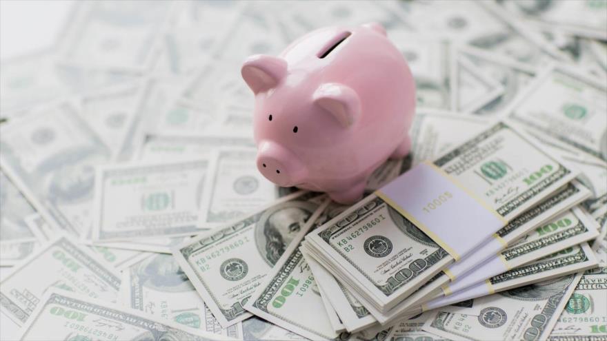 Un experto económico resalta que hay un límite para lo que puedes ahorrar, pero no hay límite para ganar más dinero.