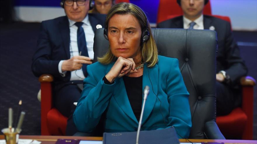La jefa de la Diplomacia de la Unión Europea (UE), Federica Mogherini, en una reunión en la ciudad egipcia de Sharm el-Sheij, 25 de febrero de 2019. (Foto: AFP)