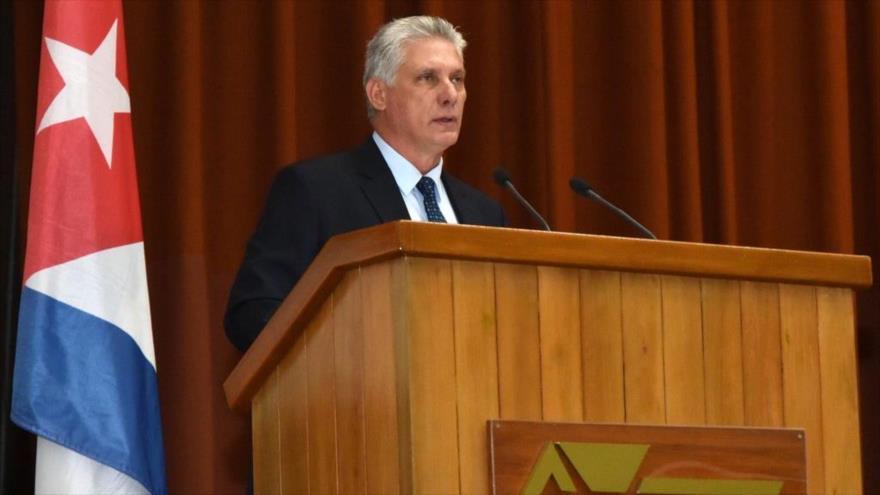 El presidente de Cuba, Miguel Díaz-Canel, da un discurso en el Palacio de Convenciones de La Habana, 9 de febrero de 2019.