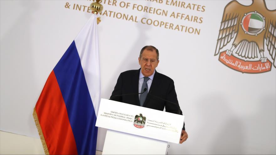 El canciller ruso, Serguéi Lavrov, habla durante una rueda de prensa en Abu Dabi (capital emiratí), 6 de marzo de 2019. (Foto: AFP)