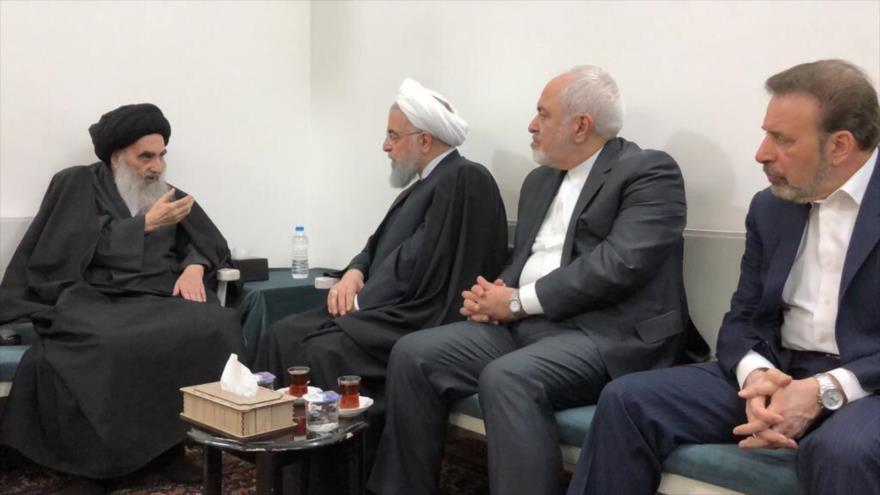 El presidente iraní, Hasan Rohani (3º a la dcha.), se reúne con el máximo clérigo chií de Irak, el gran ayatolá Seyed Ali Sistani, 13 de marzo de 2019.