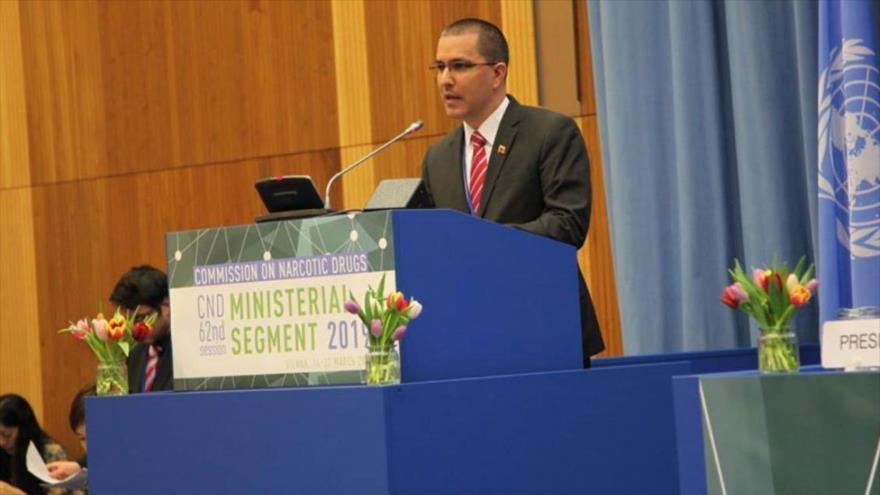 El canciller de Venezuela, Jorge Arreaza, habla durante una sesión de la Comisión de Estupefacientes de la ONU en Viena, 14 de marzo de 2019.