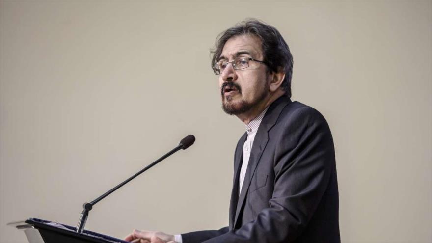 El portavoz de la Cancillería de Irán, Bahram Qasemi, durante una rueda de prensa, 18 de febrero de 2019. (Foto: IRNA)