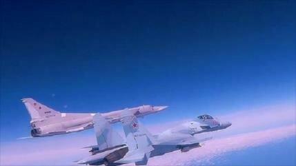 Vídeo: Dos bombarderos rusos Tu-22M3 sobrevuelan mar Negro