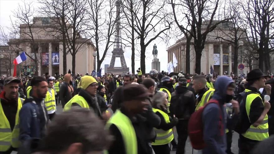 Chalecos amarillos cumplen cuatro meses de marchas en Francia | HISPANTV
