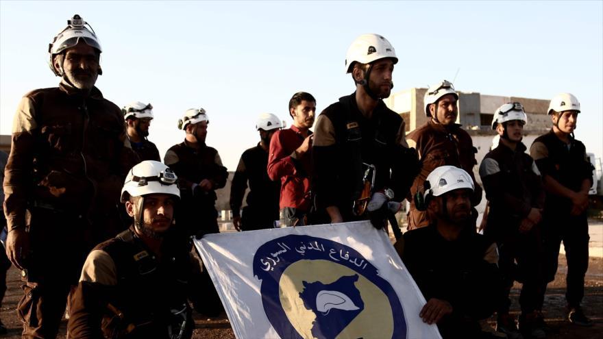 Los llamados cascos blancos en la provincia siria de Alepo, 27 de julio de 2018. (Foto: AFP)