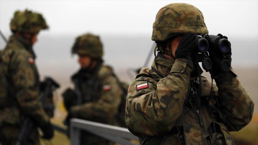Integrantes de la Fuerza de Reacción de la OTAN (NRF en inglés) durante maniobras militares.