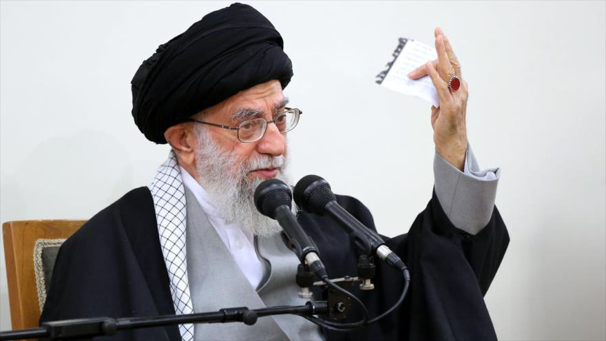 Líder iraní: Haremos que EEUU sufra mayor derrota de su historia