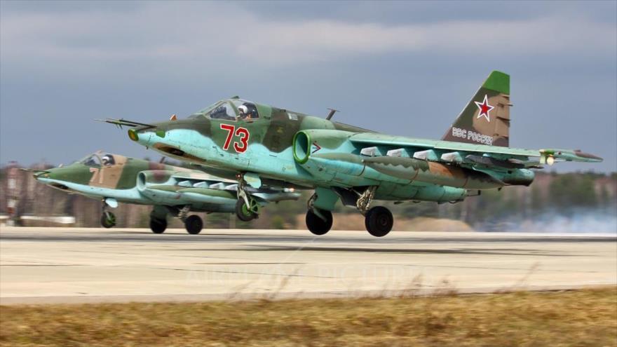 Cazas Sujoi Su-25 rusos en la base aérea Kubinka, Rusia.