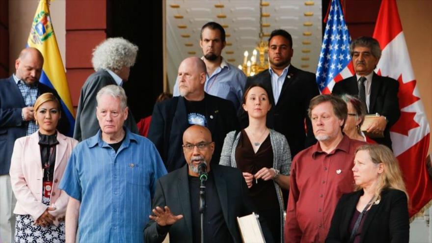 Los líderes y activistas de DD.HH. de Canadá y EE.UU., en palacio de Miraflores en Caracas (la capital), 15 de marzo de 2019. (Foto: VTV)