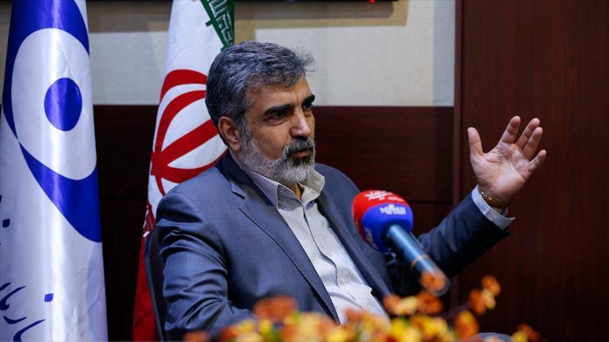El portavoz de la Organización de Energía Atómica de Irán (OEAI), Behruz Kamalvandi, comparece ante la prensa en Teherán, la capital persa.