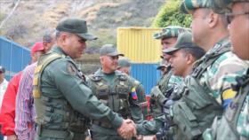 Caracas presenta maniobra militar como respuesta a ataques de EEUU