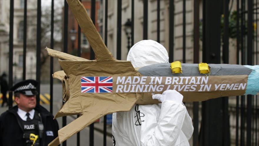 Una protesta organizada por Amnistía Internacional (AI) en Londres en rechazo a la venta de armas del Reino Unido a Arabia Saudí.