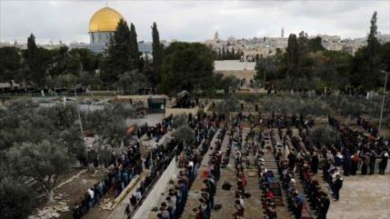 Corte israelí cierra la zona de oración de la Mezquita Al-Aqsa