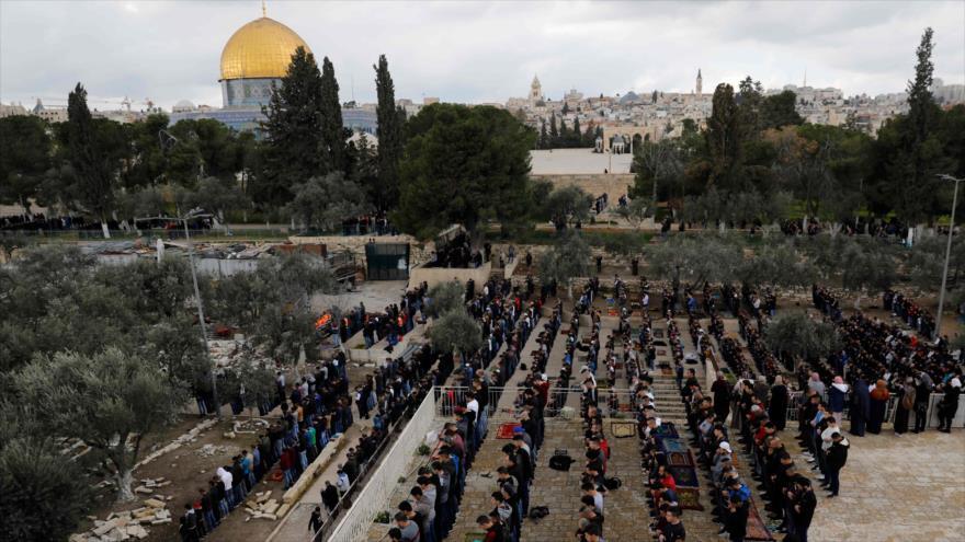 Corte israelí cierra la zona de oración de la Mezquita Al-Aqsa | HISPANTV