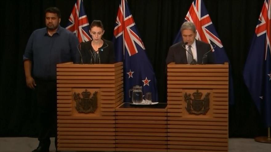 Neozelandeses rinden homenaje a víctimas de ataques terroristas | HISPANTV