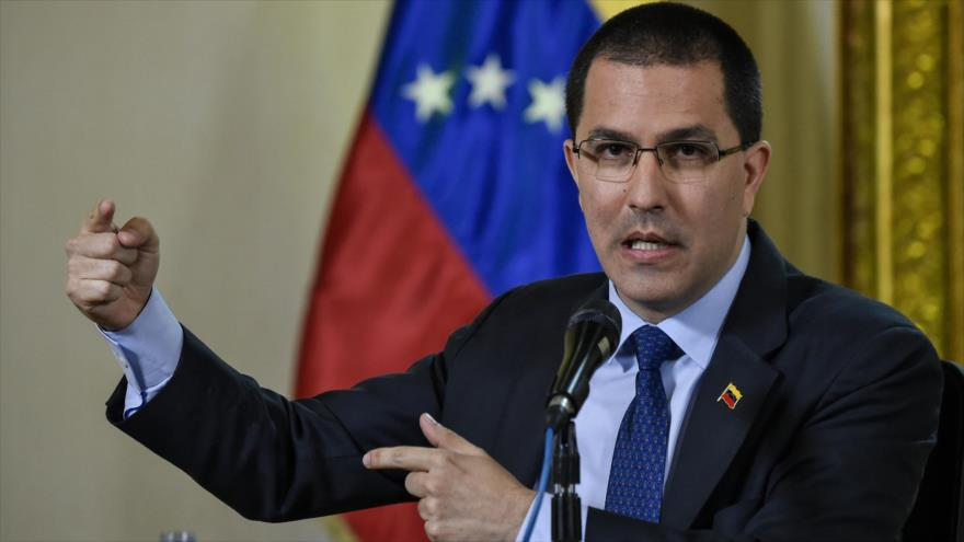 El canciller de Venezuela, Jorge Arreaza, en una conferencia de prensa en Caracas, 28 de enero de 2019. (Foto: AFP)