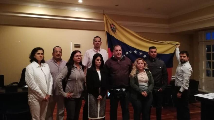 La representación designada por el líder golpista Juan Guaidó se hace con el control de la embajada venezolana en San José, 20 de febrero de 2019.