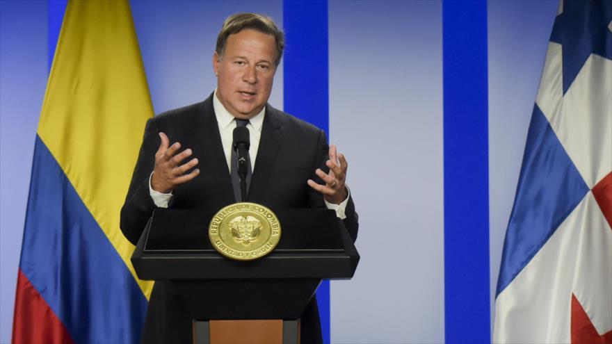 El presidente de Panamá, Juan Carlos Varela, en una conferencia de prensa en Bogotá, captial de Colombia, 19 de marzo de 2019. (Foto: AFP)