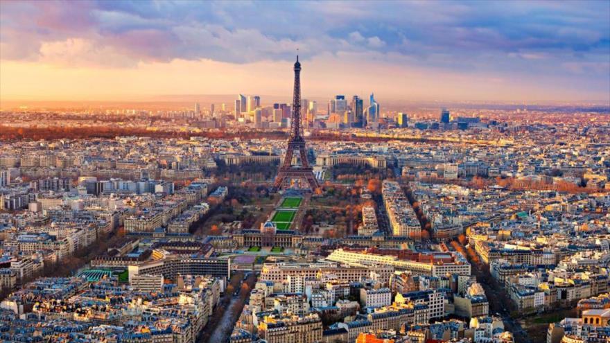 La ciudad de París, capital de Francia.