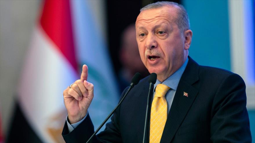 El presidente de Turquía, Recep Tayyip Erdogan, durante una reunión en la ciudad turca de Estambul, 22 de marzo de 2019. (Foto: AFP).
