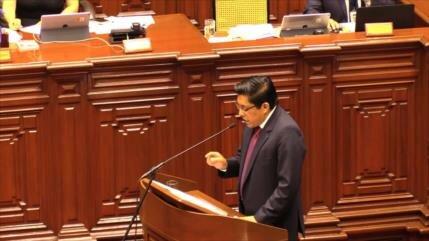 En Perú, se suspende interpelación al ministro de Justicia