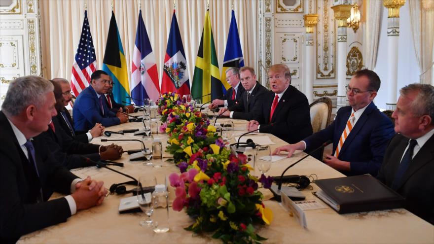 Donald Trump, presidente de EE.UU., se reúne con representantes de varios países caribeños en Florida, 22 de marzo de 2019. (Foto: AFP)