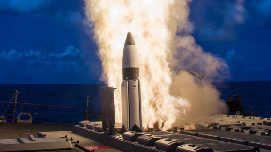 El momento del lanzamiento de un misil SM-3 de producción estadounidense, en la isla de Kauai, Hawai.