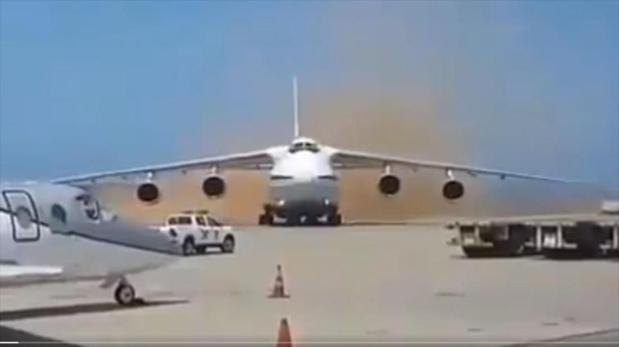 Rusia envía a Venezuela dos aviones con 99 militares a bordo