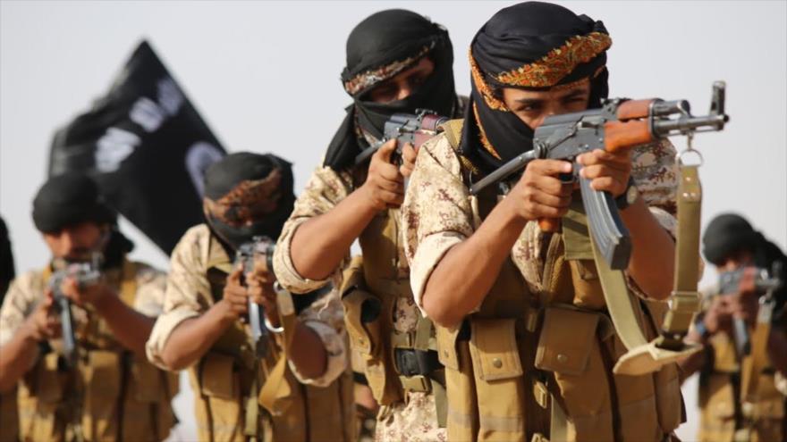 Integrantes de la banda terrorista EIIL (Daesh, en árabe), grupo que, según evidencias, recibe apoyo directo de Riad.
