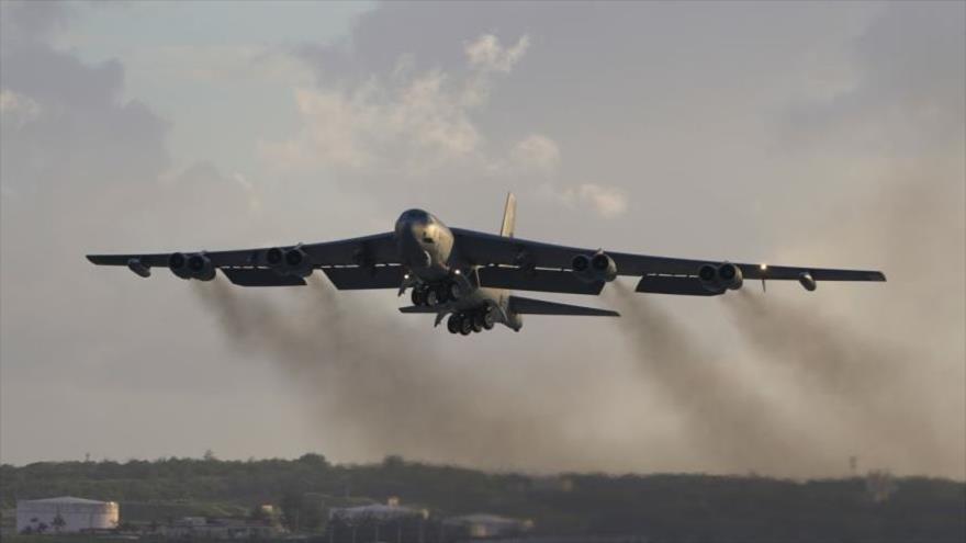 Un bombardero nuclear estadounidense Boeing B-52 Stratofortress.
